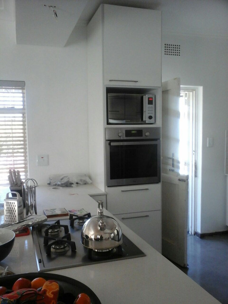 Kitchens and cupboards in johannesburg 39 s northern suburbs for Kitchens johannesburg