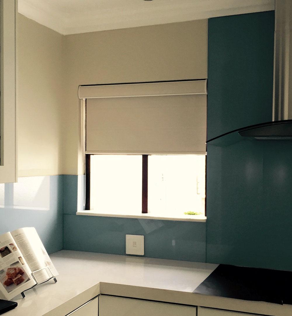 Roller blind blockout Kitchen - Interiors Inc